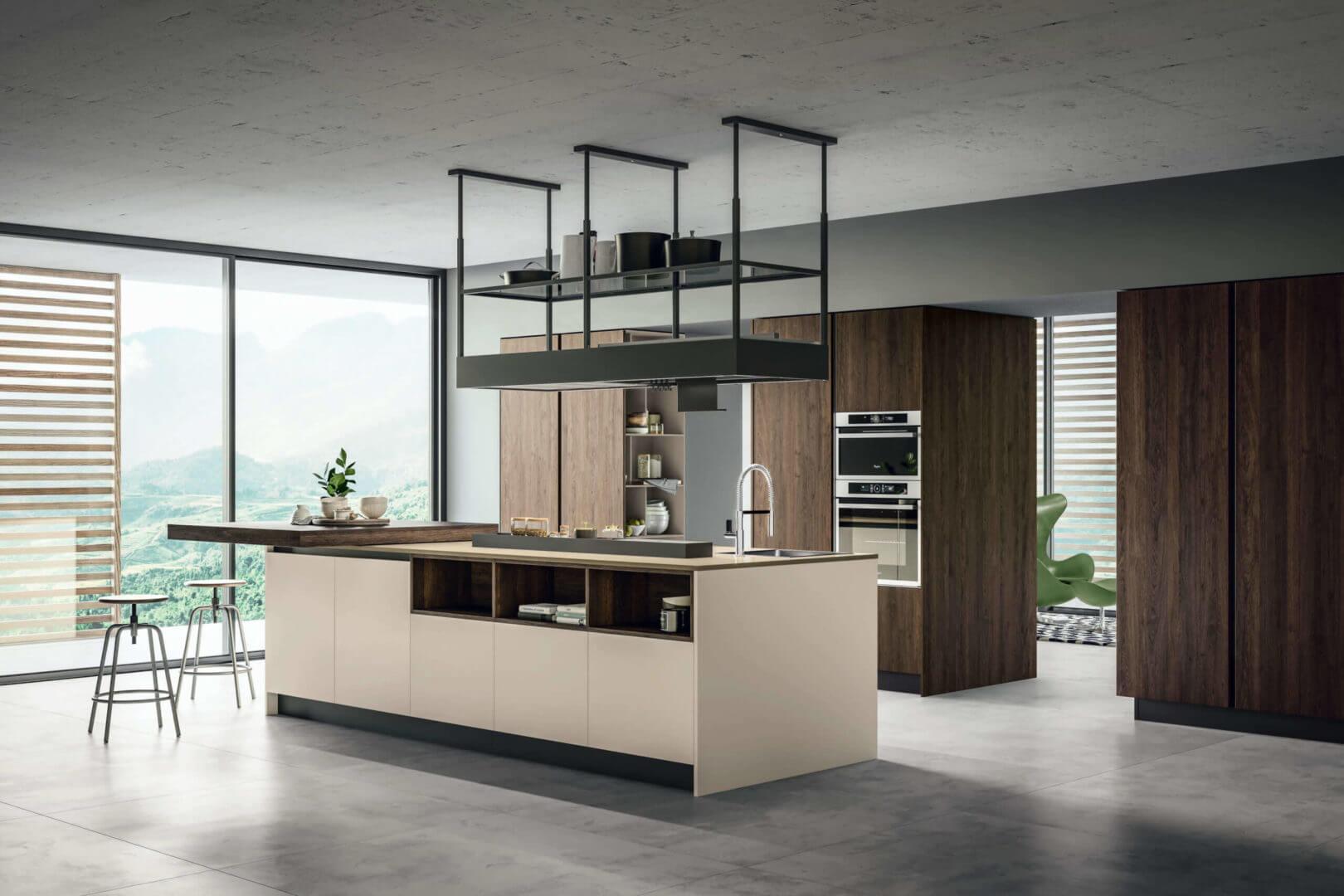 cucina isola legno e laccato